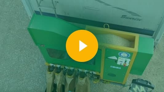 Grain cleaner ''Almaz'', demo-cleaning peas